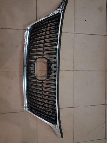 Решетка, решітка  радіатора Lexus rx350