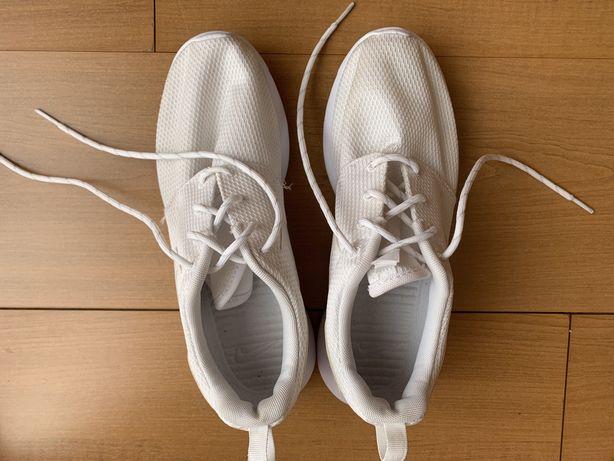 Sapatilhas Nike Roshe One