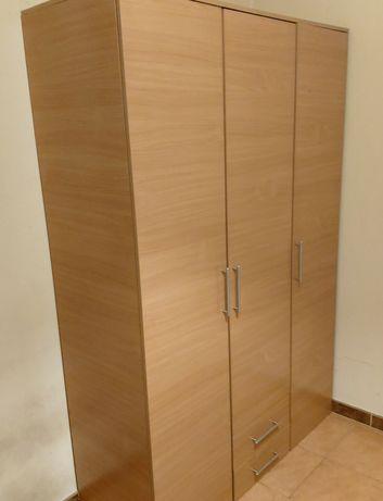 Roupeiro / armário