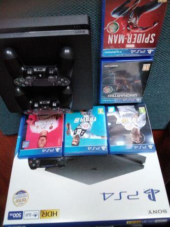 PS4 Slim 500GB + jogos