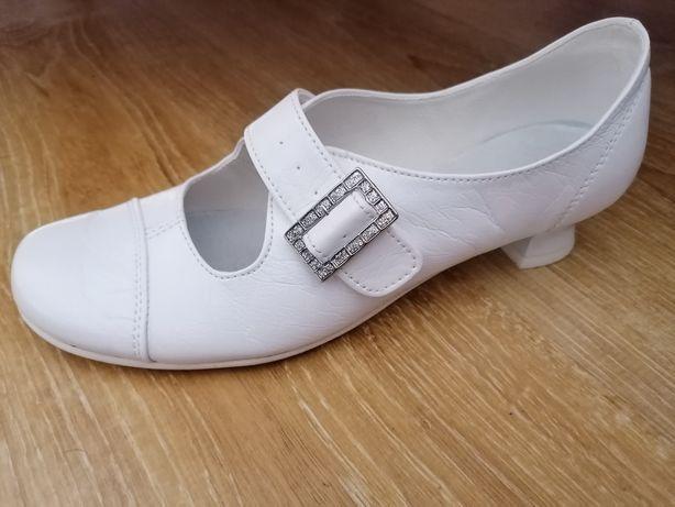 Białe buty komunia rozmiar 35