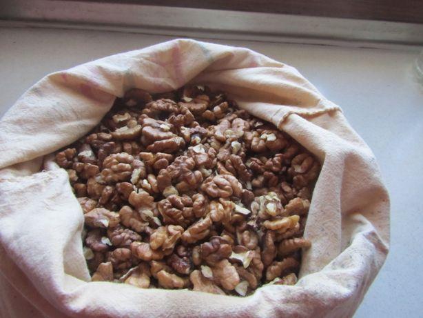 Орехи грецкие чищенные со своей дачи 2020 года. 135 грн. кг