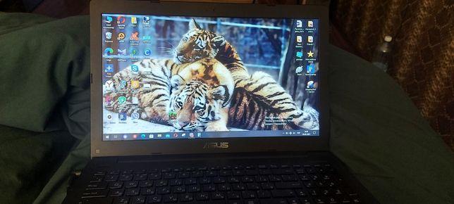 Ноутбук Asus в очень хорошем состоянии