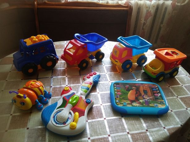 Іграшки дитячі бу