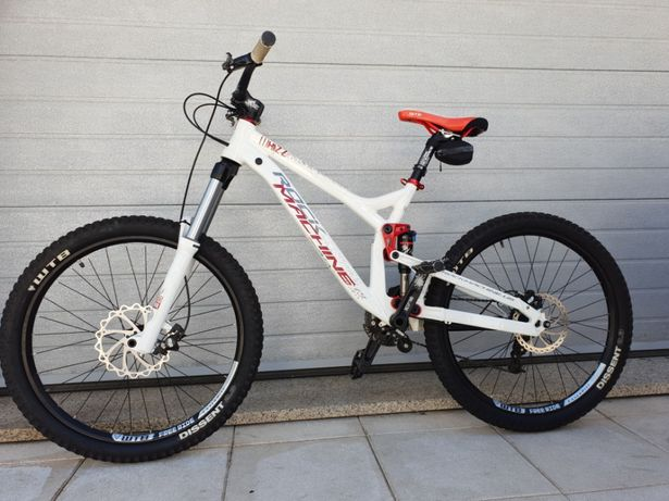 Vendo bicicleta Downhill Rock Machine Whizz