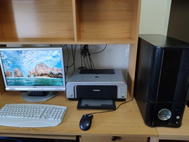PC com SSD NVIDIA 9800 GTX+ monitor incluído