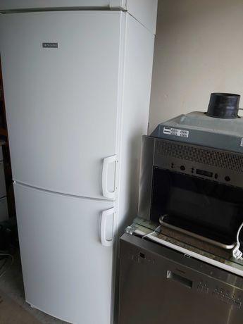 Lodówka chłodziarko-zamrażarka Electrolux 175cm