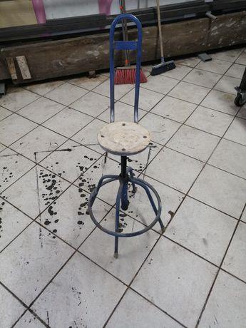 Krzesła obrotowe warsztatowe prl