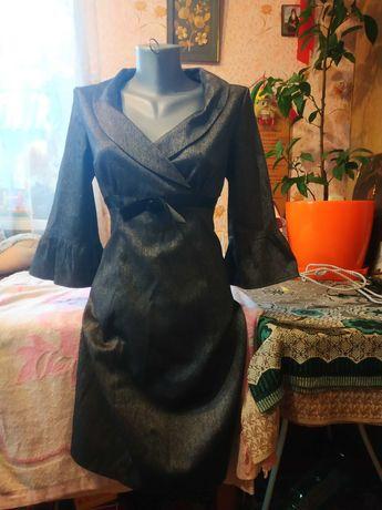 Продам строгое платье