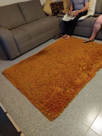 Carpete laranja ou azul