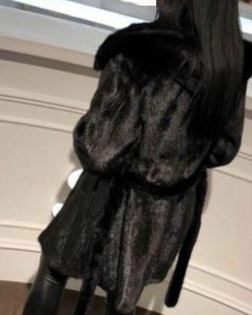 Чёрная норковая шуба