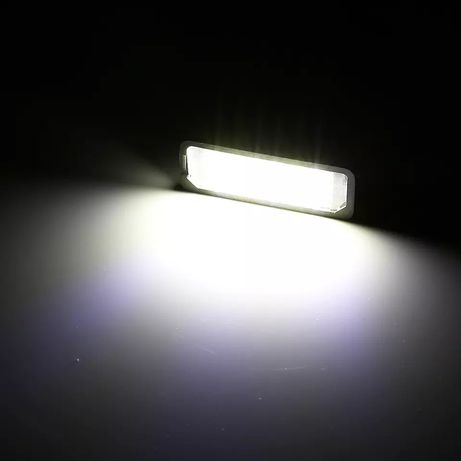Luz de matrícula Golf 4 5 6 e 7 Passat B6 CC Polo e Scirocco