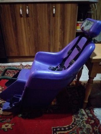 Дитяче крісло для велосипеда.
