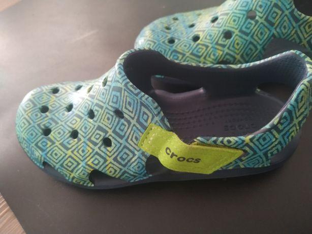 Sandałki Crocs J2