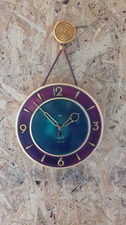 Часы настенные Маяк.