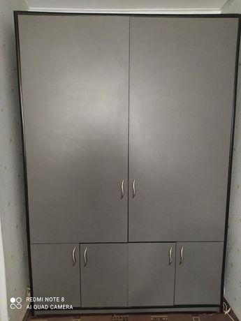 Продам шкаф и компьютерный стол !!!