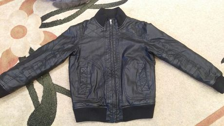 Куртка на мальчика 8-9 лет р.140