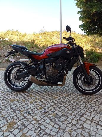 Yamaha MT 07 (2016)