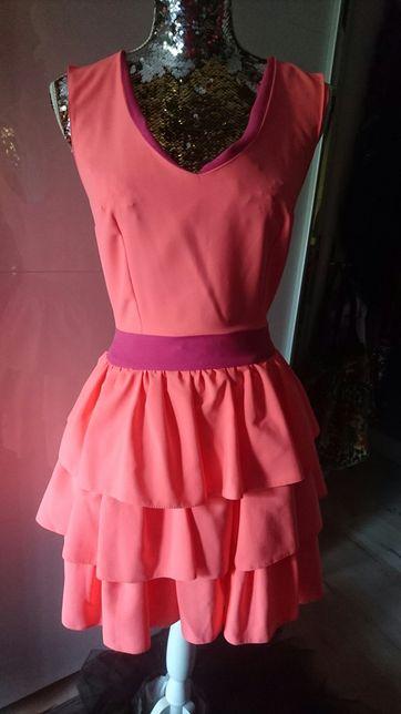 Sukienka wesele falbanki neon różowa