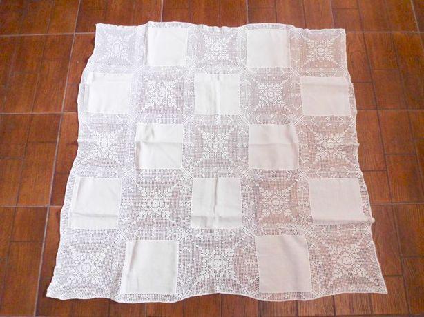linda toalha de mesa em linho e croche feito a mão 110 cm x 110 cm