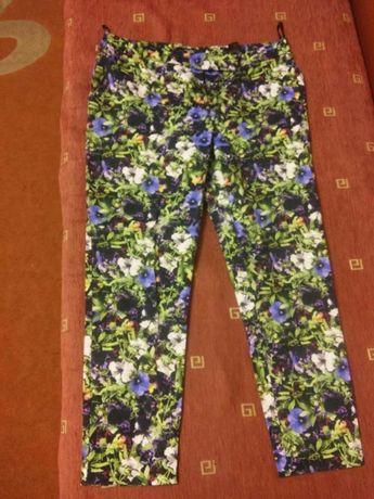 Женские брюки в цветочек