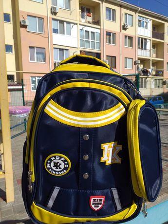 Рюкзак 1-5 класс для школьницы для девочки с пеналом в стиле Колледж