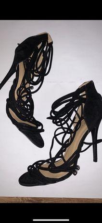 Czarne buty na wysokim obcasie 40