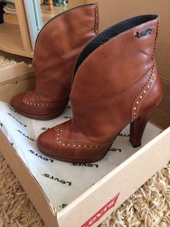 Кожаные ботинки Levi's
