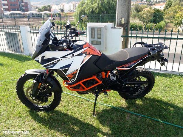 KTM Adventure 1090 R