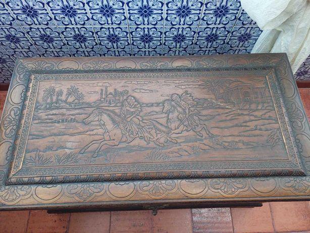 Arca de madeira - canfora
