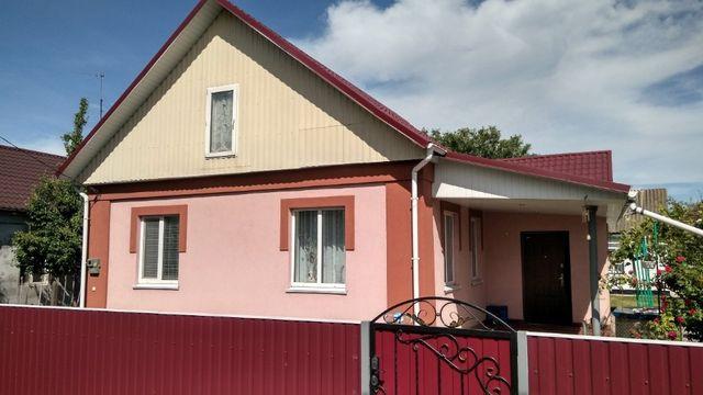 Продаж будинку з ремонтом, утепленням, косметичним гарним станом.