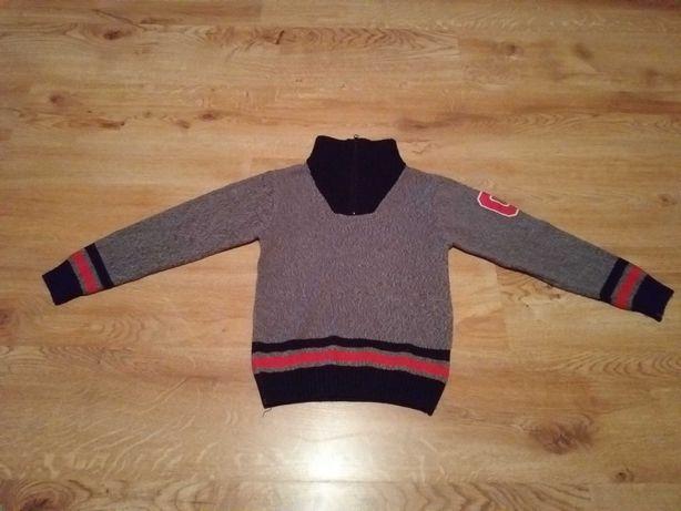 Sprzedam sweterek dla chłopca  rozmiar 122.
