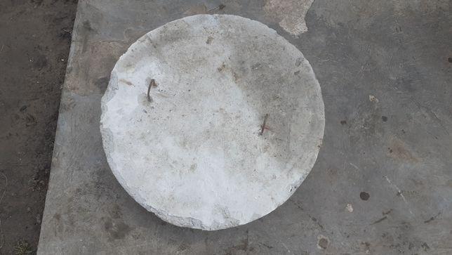 Продаю бетонный люк