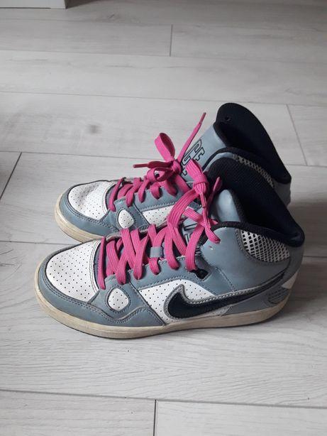 Кросівки красовки 37 розмір Nike оригінал