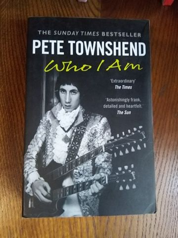 "Книга ""Pete Townshend"" (The Who)"
