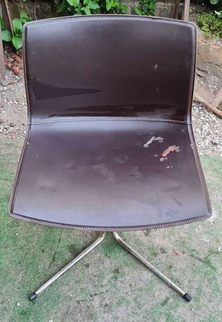 Cadeira em pele escritório