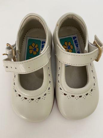 Sapatos pele menina em pele t.20