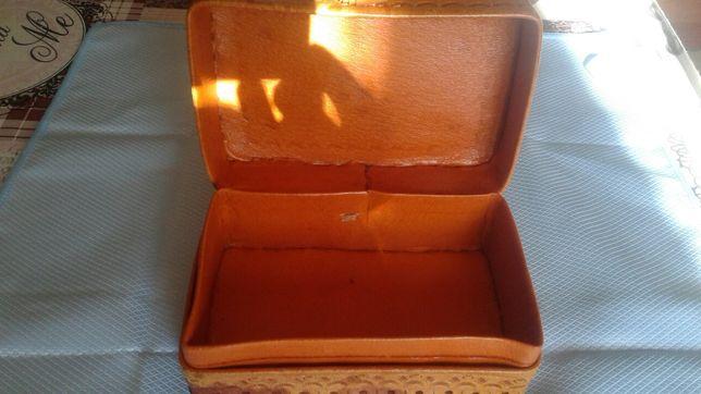Skórzane pudełko na drobiazgi