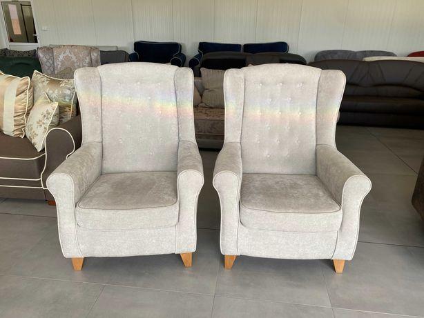 Komplet dwóch używanych foteli Uszak