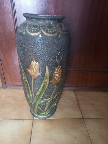 Vendo jarrao para flores em bom estado