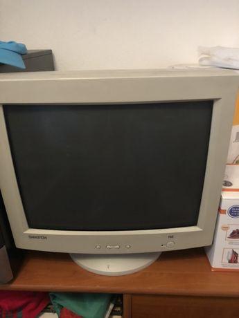 Computador antigo para pecas ecran funciona