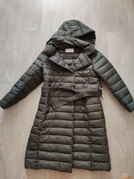 Продам куртку-жакет, утеплённую с капюшоном.
