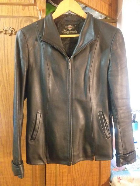 Кожаная курточка женская, чёрная