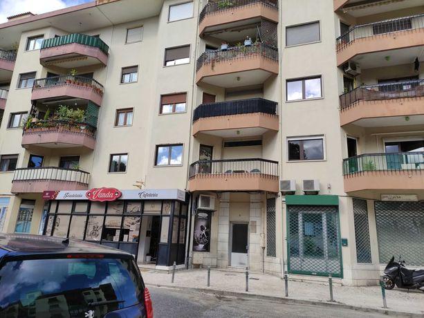 Apartamento T3 para arrendar em Alfragide