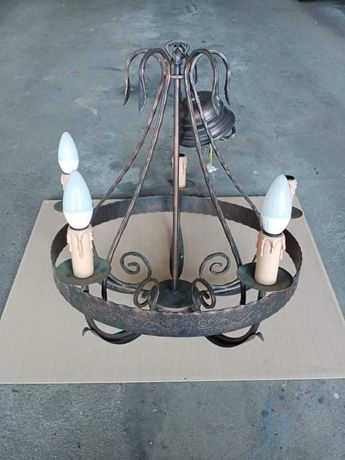 Sprzedam lampe stylową  wiszacą