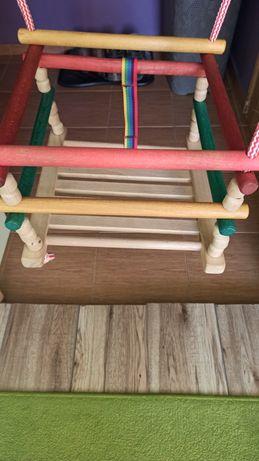 solidna huśtawka drewniana