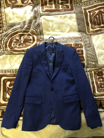 Піджак чоловічий (48 розмір, стан ідеальний)