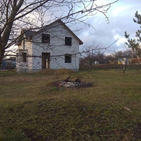 Продам новий будинок коробка +10 соток землі в Лезнево