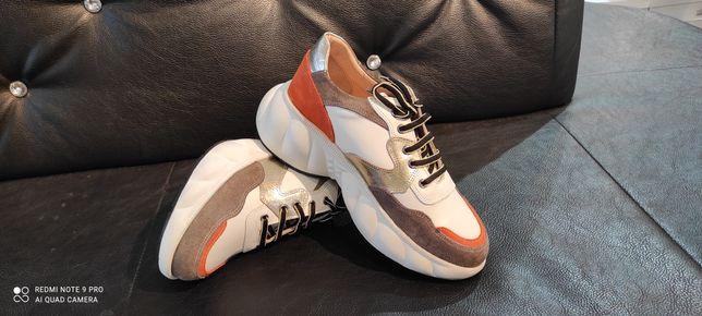 Sneakersy skórzane wiosna 2021