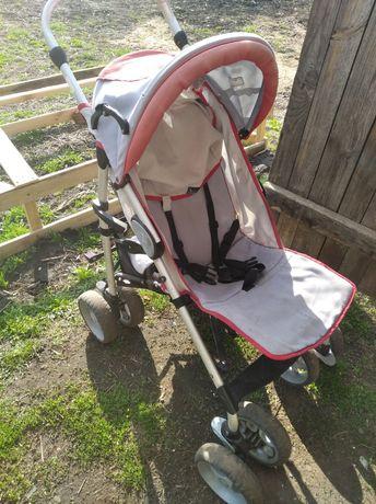 Дитяча коляска для дівчинки